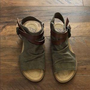 Blowfish olive green sandals 8.5